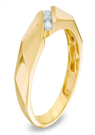 Men's 1/5 ct. t.w diamond three stone wedding band in 10k gold